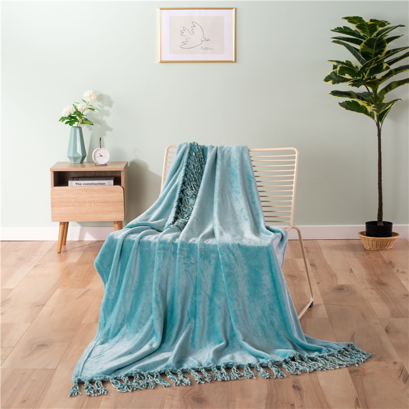 ORT3LY14 Flannel blanket with fringe (OKO BSCI)